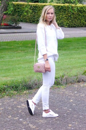 Primark bag - H&M jeans - vintage sweater - nike sneakers