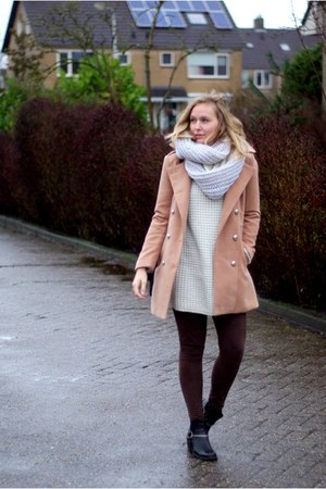 camel PERSUNMALL coat - black H&M boots - off white Only sweater