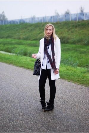 Yesstyle coat - H&M jeans - Yesstyle shirt - Lovelywholesale bag - Ebay sneakers