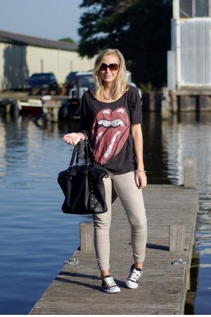 H&M shirt - H&M pants - Yesstyle sneakers