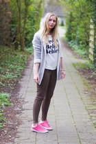 silver Miss Etam cardigan - army green WE fashion jeans - white LWS shirt