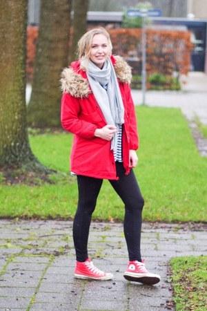 red parka Yesstyle coat - black shiny Vila leggings - white striped Choies shirt