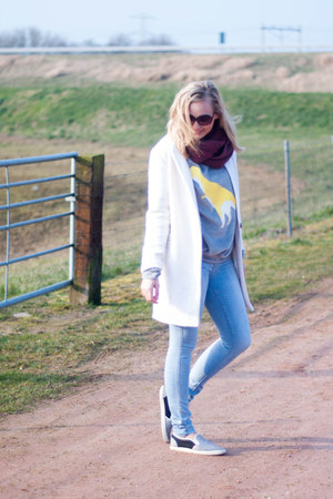 periwinkle Yesstyle sweater - white Yestyle coat - light blue Vila jeans