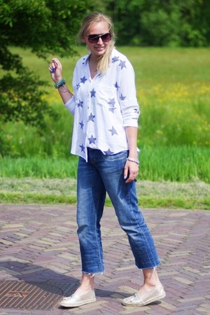 white stars Yesstyle shirt - gold espadrilles La Strada shoes