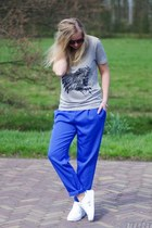 blue Oroblu pants - heather gray wibra shirt - white Twinkeltje sneakers