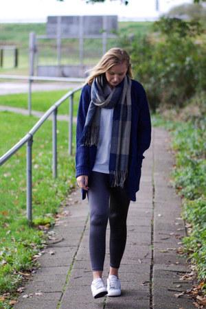 heather gray Yesstyle leggings - blue Yesstyle scarf - navy Yesstyle cardigan