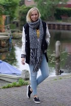 Ebay shoes - esmara jeans - Action jacket - Choies shirt - H&M scarf