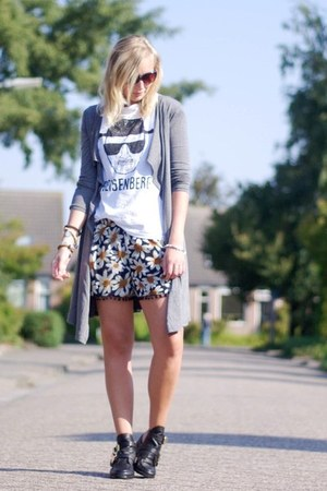 lookbookstore shorts - Choies shoes - PERSUNMALL shirt - lookbookstore cardigan