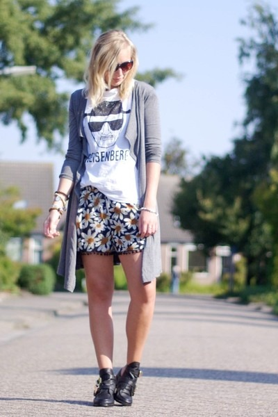 lookbookstore shorts - Choies shoes - PERSUNMALL shirt - lookbookstore cardigan