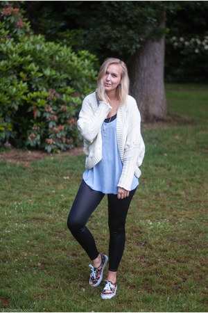 light blue H&M top - black Sevenbien leggings - black Sevenbien sneakers