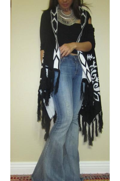super flare free people jeans - 1 Vintage Soul vest - Daydreamer LA t-shirt