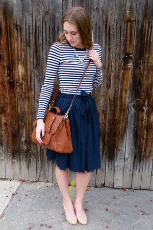 navy tulle modcloth skirt - brown Ollie & Nic bag - nude Cole Haan pumps