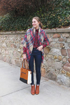 brick red plaid llbean shirt - brown madewell boots - navy madewell jeans
