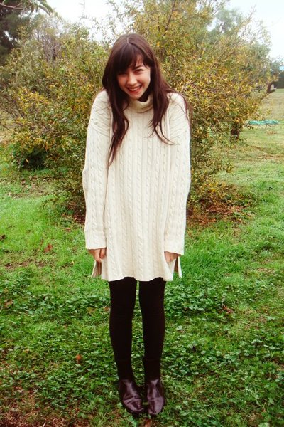 white sweater - brown leggings - brown boots