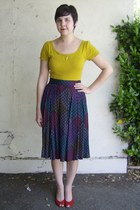mustard Susina top - black thrifted skirt - red thrifted heels