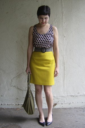 tan Tignanello bag - tan and black thrifted belt - gold thrifted skirt - black J