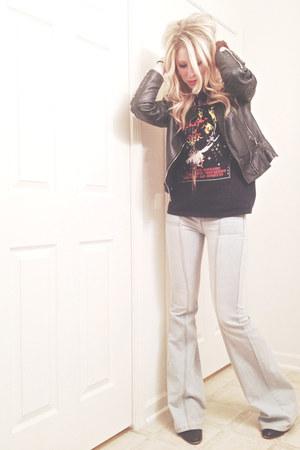 t-shirt - ankle boots sam edelman boots - bell bottom Rachel Zoe jeans
