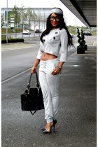 silver 2NU suit - black 2NU heels