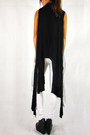 Black-2amstyles-vest-black-tank-cropped-2amstyles-top-white-2amstyles-pants