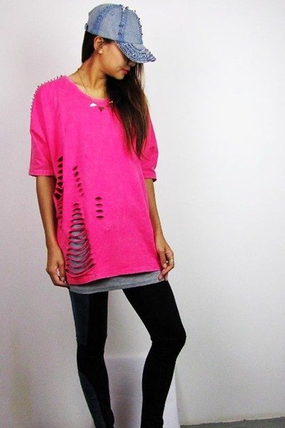 hot pink 2amstyles t-shirt - blue 2amstyles hat