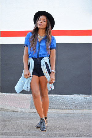 black H&M hat - black Levis shorts