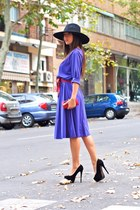 violet CATS VINTAGE dress - black H&M hat