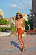 tawny H&M shorts - ivory Vicosta bag - nude H&M t-shirt