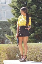 gold pepa loves blouse - black pepa loves shorts - black Adolfo Domingues heels