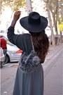 Black-h-m-hat