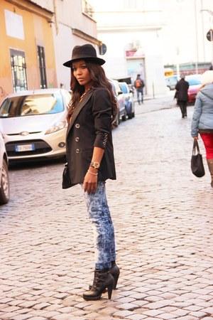 D&G blazer - Primark boots - Fendi t-shirt - Inside pants