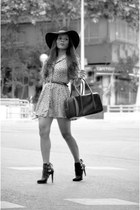 yellow vintage dress - Zara boots - black Bershka hat - Mango bag