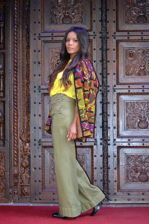 olive green BLANCO pants - yellow Zara top