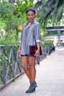 Maroon-stradivarius-boots-gray-banana-republic-shirt
