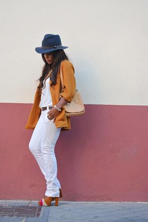white Zara t-shirt - tawny vintage jacket - white Bershka pants