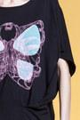 Raphaelle-hlimi-t-shirt