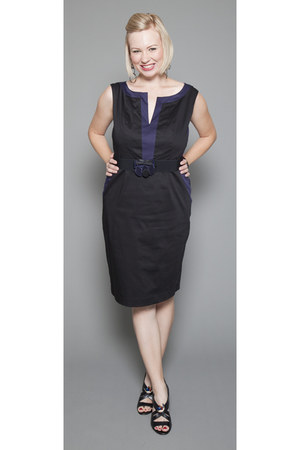 navy belted Cheeta B dress - black dress