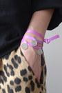 Bubble-gum-3-wind-knots-bracelet