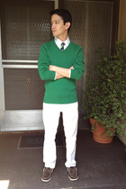 green v-neck H&M sweater - brown boat sperry shoes - white American Eagle jeans