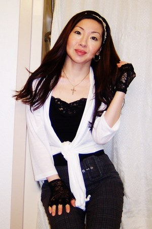 black Forever 21 top - black Imported Gloves accessories