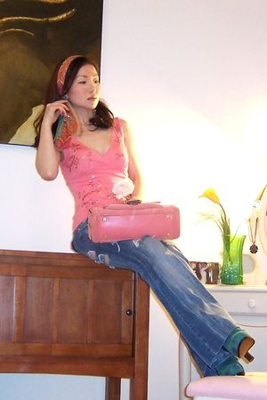 pink sequinned top Bebe top - blue coach shoes - blue curvy fit Hydraulic jeans