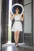 white Scale hat - white kate moss dress - black River Island wedges