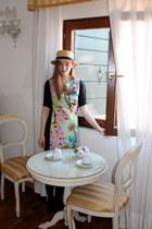 aquamarine tropical print Atmosphere dress - camel boater hat H&M hat