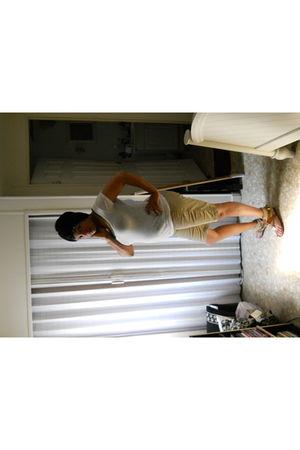 white Walmart shirt - green Old Navy shirt - beige Walmart shorts - beige Dollho