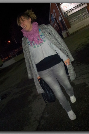 black forecast coat - heather gray scarf - black Fun & Basics bag
