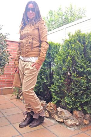 cotton Bershka t-shirt - Bershka boots - polipiel Bershka jacket