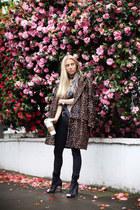 Diane Von Furstenberg coat - GINA TRICOT jeans - Michael Kors watch