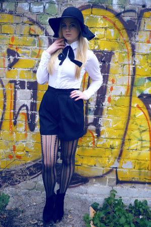 black lindex hat - white Zara shirt - black Zara tights - black vintage shorts