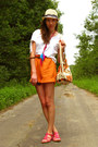 Orange-etno-printed-bag-carrot-orange-handmade-shorts-white-fringed-per-una-
