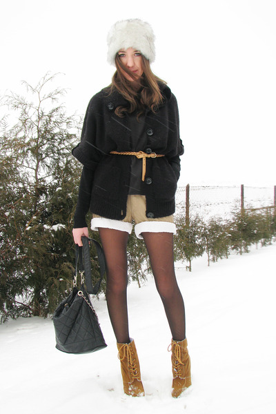 laced up Primark boots - faux fur hat - Cubus sweater - shearling - diy vintage