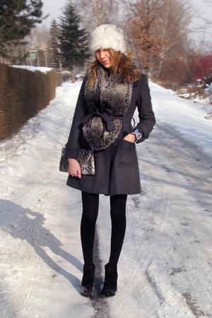 white fake fur hat - black block chunky asos boots